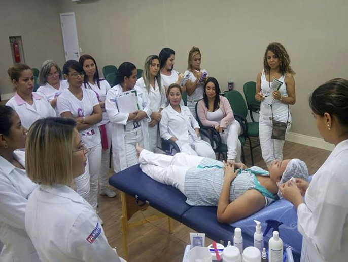 Workshop - alunas 3º período do curso de Estética - Fametro / 04 de Abril